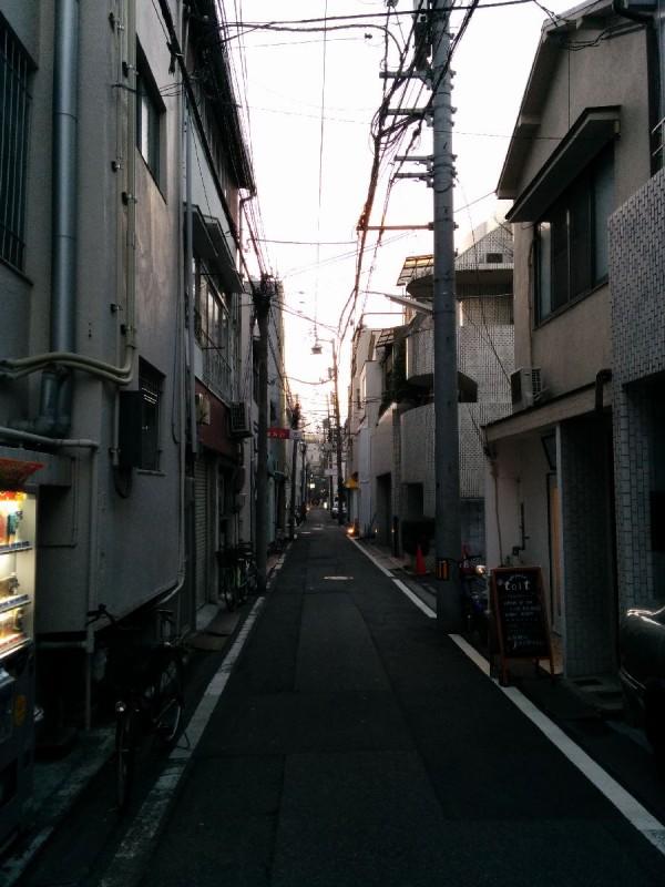 Hinter der Einkaufsstraße